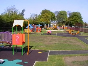 Churchfields Park Playground-wey-soc333